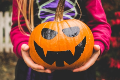 Déco Halloween : Recyclez vos petits pots !